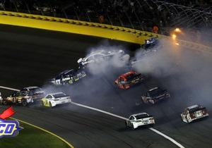 На гоночный трек в США рухнул трос камеры спортивного телеканала, есть пострадавшие