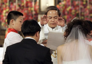 Серьезный демографический дисбаланс в Китае: Целое поколение мужчин может остаться без жен