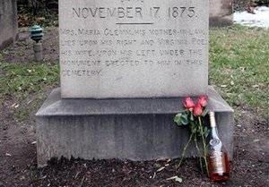 Загадочный поклонник Эдгара По, нарушив давнюю традицию, не явился на могилу писателя
