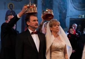 Попов - Мэр Киева обвенчался с женой - фото