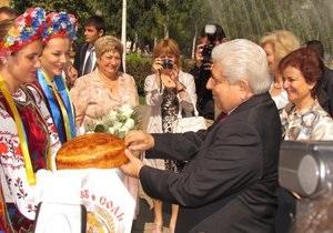 Из-за визита на Донбасс президента Кипра на дорогах образовались многокилометровые пробки