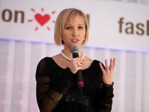 Украинские звезды передадут пяти региональным центрам СПИДа мобильные клиники