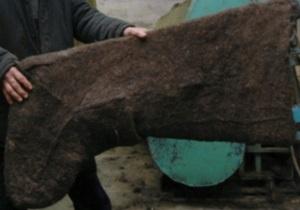 Житель Башкирии свалял гигантский валенок