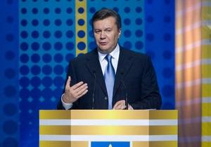 Янукович обещает поднять стипендии в следующем году