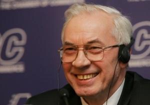 Азаров раскритиковал новостные каналы за то, что они не поднимают настроение