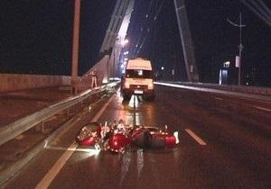 Сегодня ночью в Киеве разбился мотоциклист и его пассажир