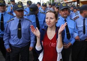 Жителям Минска разрешили аплодировать в День города