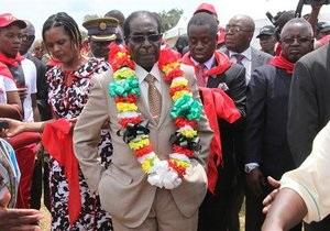 Президент Зимбабве пообещал не  принимать гомосексуализм  под давлением Обамы