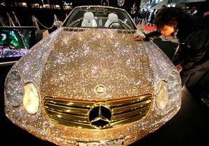 В Японии представлен Mercedes, украшенный тысячами кристаллов Swarovski