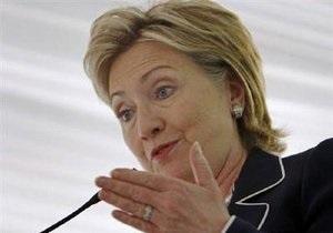 Клинтон не смогла вылететь из Саудовской Аравии из-за поломки самолета
