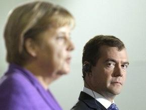 Global Politician: Дуэт Медведев-Меркель начинает кампанию по обелению Сталина и Гитлера