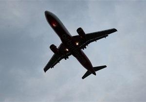 В Италии пассажир выпрыгнул из самолета прямо перед взлетом