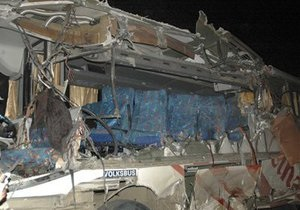 В Мексике автобус врезался в грузовик: более 20 погибших