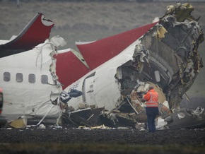 Фотогалерея: Немягкая посадка. Турецкий Boeing рухнул в аэропорту Амстердама