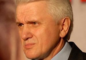 Литвин: Украина должна резко реагировать на посягательства на ее территориальную целостность