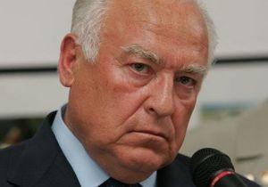 Янукович почтил память Черномырдина в посольстве России