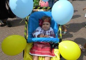 В Черкассах провели парад детских колясок