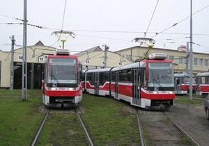 В Киеве ко Дню Независимости на скоростной линии трамвая появятся два новых состава