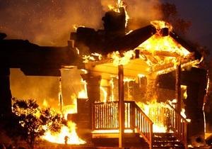 новости Черниговской области - пожар - поджог - В Черниговской области из-за сжигания травы сгорели склад и машина