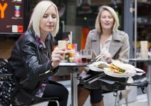 В одном из ресторанов в Лондоне суши подают летающие тарелки