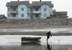 У берегов Японии задержали судно с северокорейскими беженцами