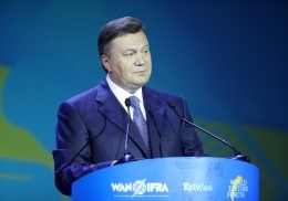 Янукович допустил очередной конфуз, пожелав журналистам  заангажированности
