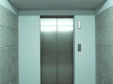 Две уборщицы просидели два дня в застрявшем лифте
