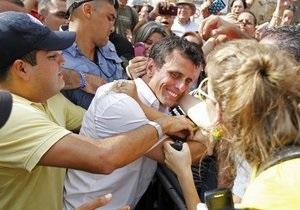 Первые экзит-поллы: На выборах в Венесуэле лидирует оппозиционный кандидат