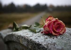 СМИ: На польском кладбище под Киевом строят частный дом