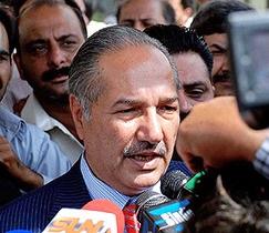 Министру обороны Пакистана запретили выезжать из страны