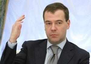 Медведев пообещал включить жителям России украинские каналы