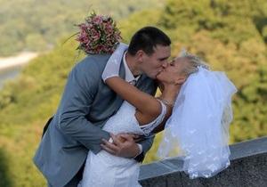 Минюст: За шесть лет украинцы заключили шесть тысяч брачных контрактов