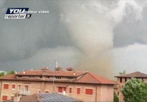 Землетрясение и смерч с градом в  Италии оставили сотни людей без крова