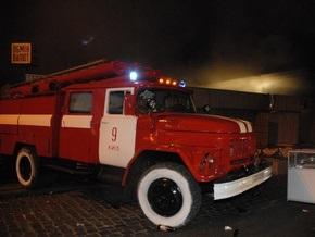 В Киеве сгорел гараж с тремя автомобилями