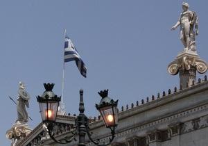 Президенту Греции урежут зарплату вдвое