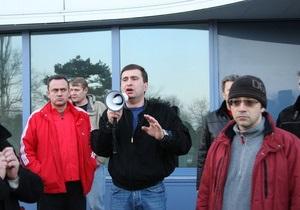 В одесском избиркоме заявили, что кандидат от Родины силой удерживает на участке 40 человек