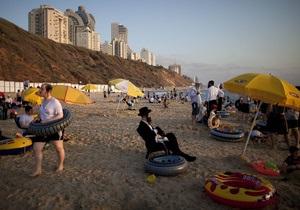 В Израиле на пляже трактор насмерть задавил мужчину