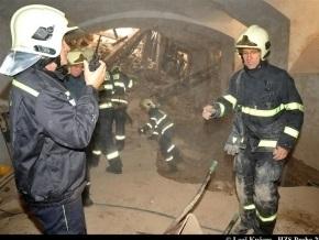 СМИ: Под завалами дома в Праге могут быть украинцы