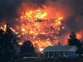 Во власти стихии: в Канаде бушуют пожары, Австрию затопило