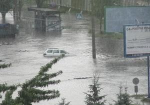 Черкассы затопило: в городе могут объявить чрезвычайную ситуацию
