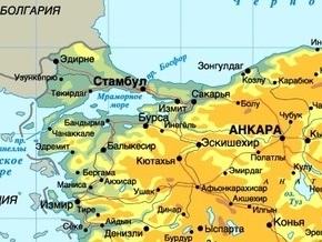 В аэропорту Стамбула за пределы взлетно-посадочной полосы выкатился украинский самолет
