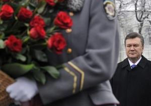 Янукович поздравил лидеров постсоветских стран с 9 мая