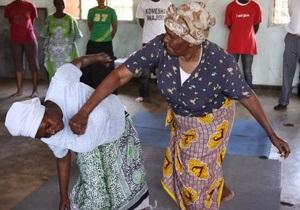 Фотогалерея: Бабушки кунг-фу. Курсы самообороны для кенийских женщин