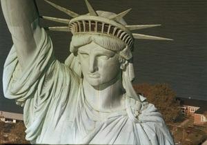 Статую Свободы закроют для посещения на год