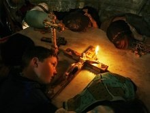 В Иерусалиме свершилось чудо схождения Благодатного огня