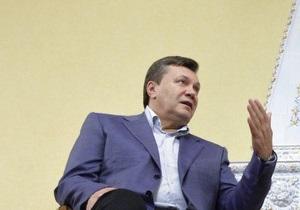 Янукович сократил свой визит в Латвию и вернулся в Киев