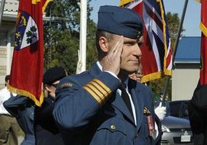 Командующего базой ВВС Канады обвинили в двух убийствах