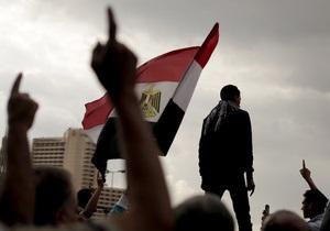 Противники президента Египта устроили погромы в офисах правящей партии