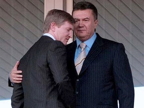 Янукович назвал эмоциональной реакцию Ахметова на обвинения Тихонова