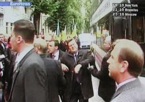 Янукович не держит зла на прикарпатцев за яйцо